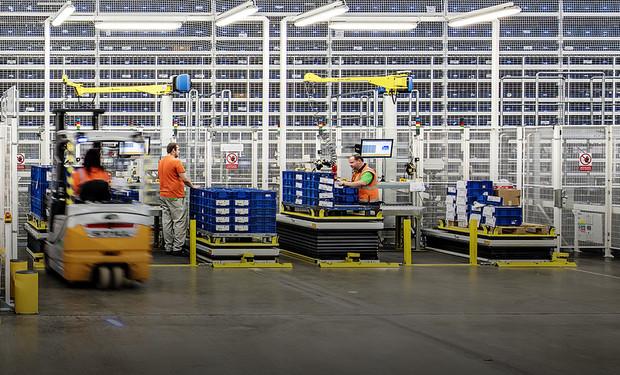 Как складские технологии помогают Škoda Auto поставлять и собирать детали авто быстрее в строгих условиях