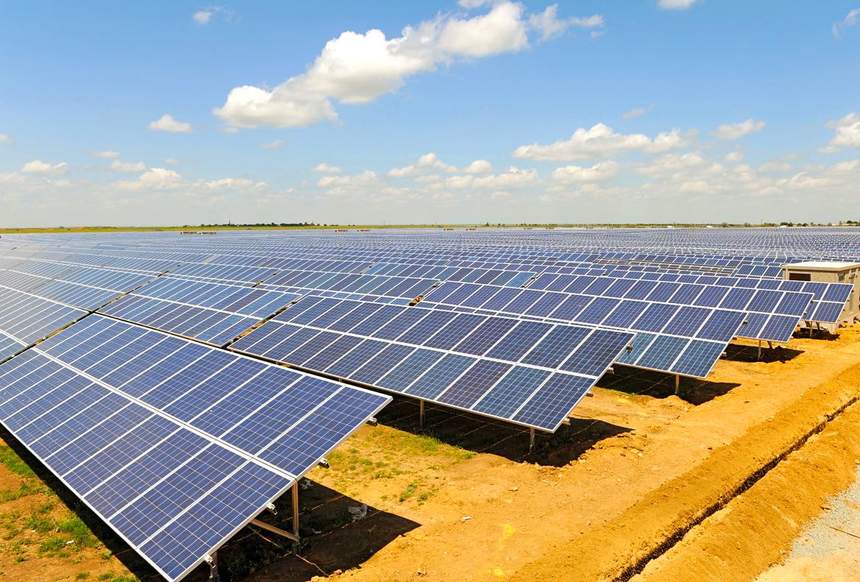 ТОП-5 найбільших сонячних електростанцій на дахах складів