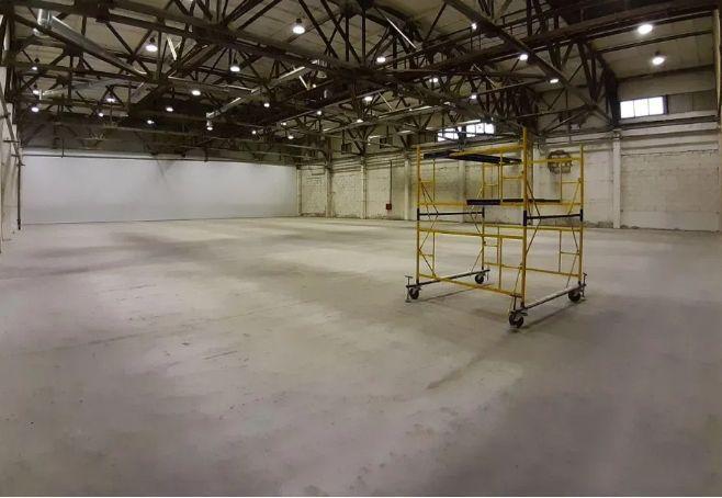 Rent - Warm warehouse, 1300 sq.m., Kiev