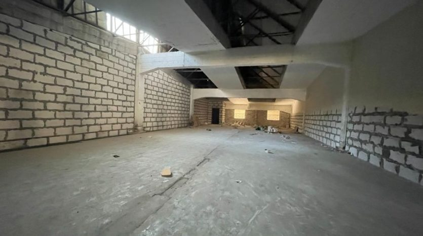 Rent - Warm warehouse, 2200 sq.m., Kharkov - 2