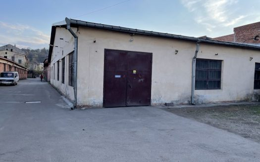 Rent – Warm warehouse, 500 sq.m., Chernivtsi