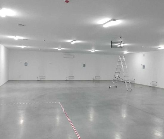 Satılık - Sıcak depo, 780 m2, Gostomel
