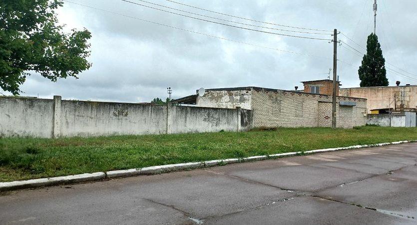 Satılık - Kuru depo, 2400 m2, Brilovka - 2