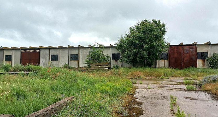 Satılık - Kuru depo, 2400 m2, Brilovka - 13
