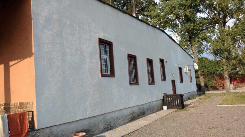 Продажа - Теплый склад, 1500 кв.м., г. Хуст